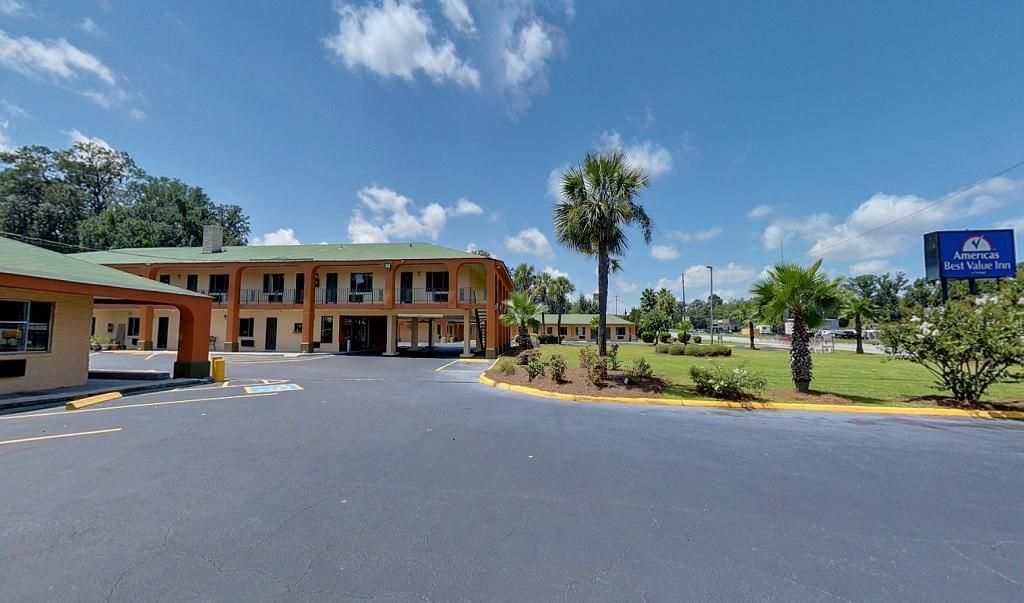ABVI-Savannah - Exterior