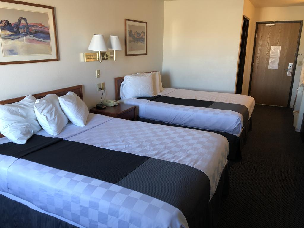 Americas Best Value Inn Green River - Double Beds-1