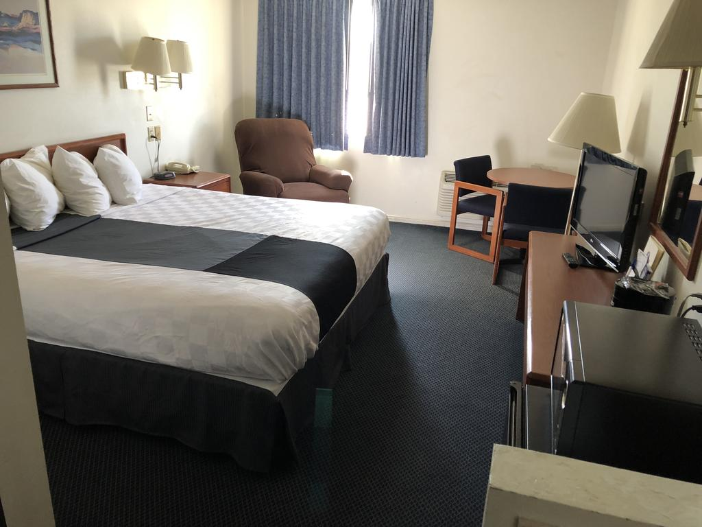 Americas Best Value Inn Green River - Single Bed