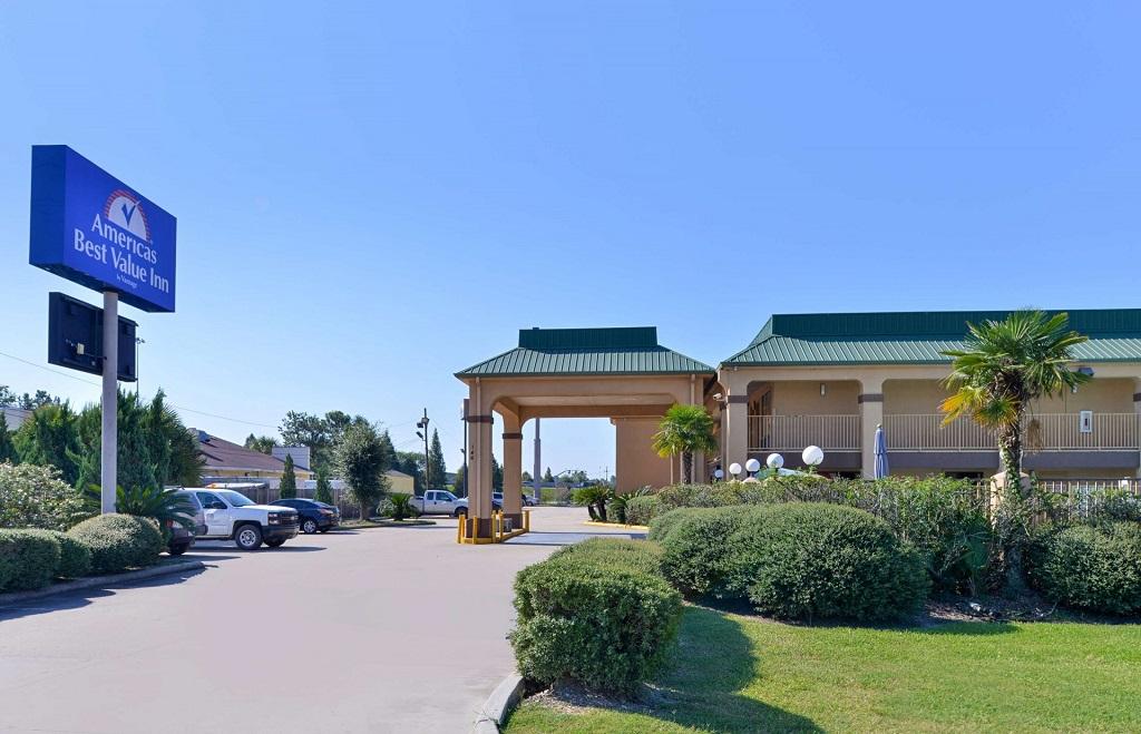Americas Best Value Inn Denham Springs - Exterior-1