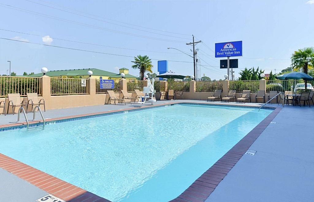 Americas Best Value Inn Denham Springs - Pool-1