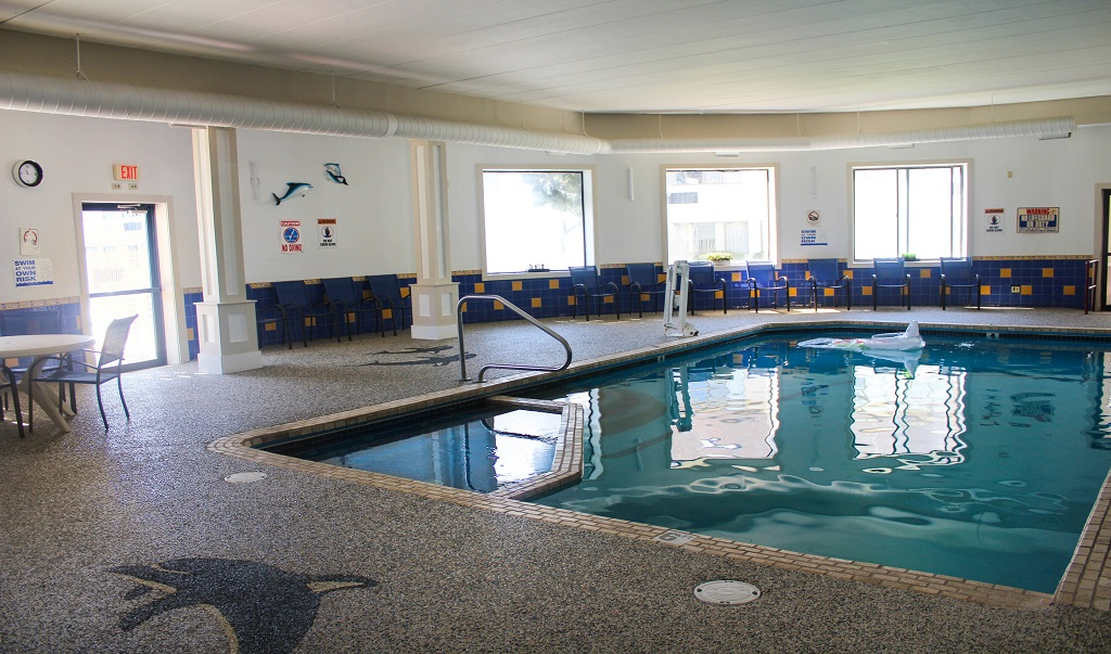 Admiralty Inn & Suites - Indoor Pool