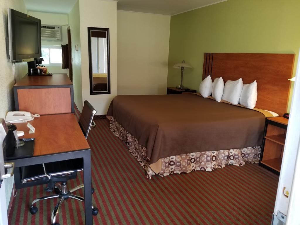 All Seasons Inn & Suites - Single Bed