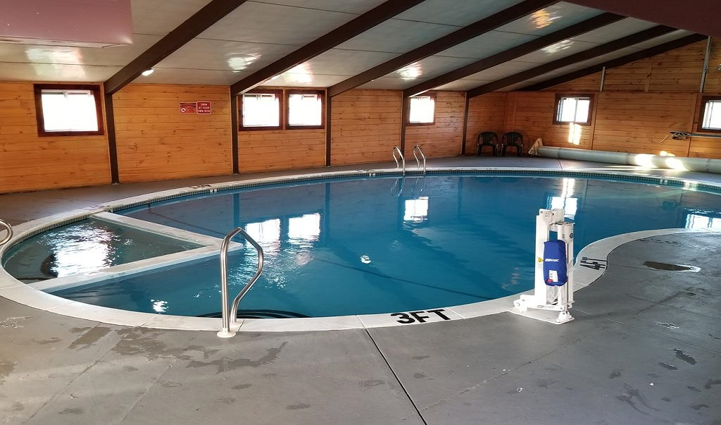 All Seasons Inn & Suites - Indoor Pool