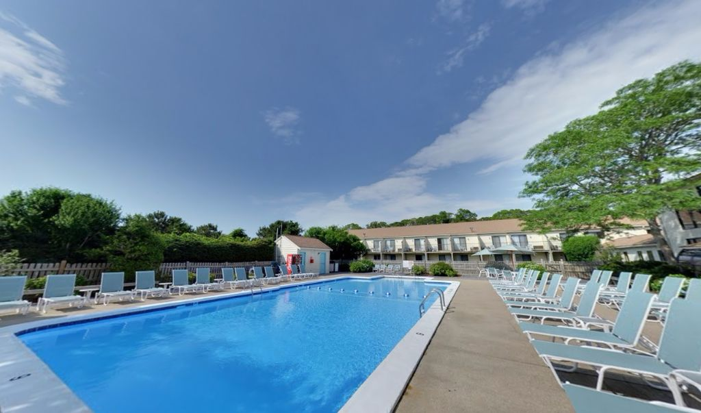 All Seasons Resort South Yarmouth - Outdoor Pool