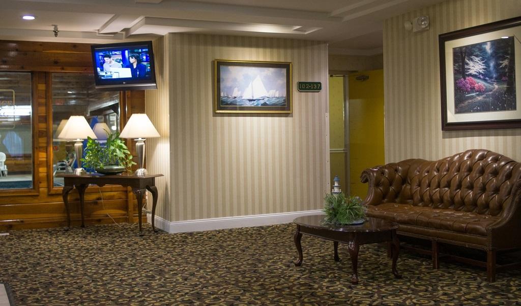 Ambassador Inn & Suites South Yarmouth - Lobby-2