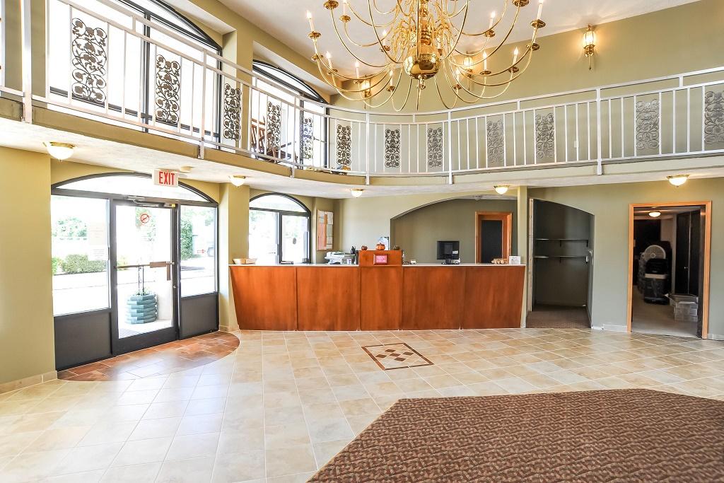 Americana Inn Henderson - Lobby Area