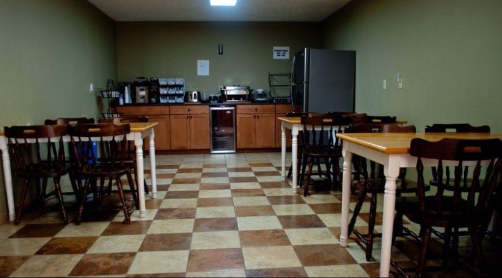 Americana Inn Henderson - Breakfast Area