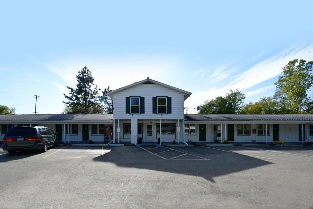 Americas Best Value Inn Jonesville - Exterior-2