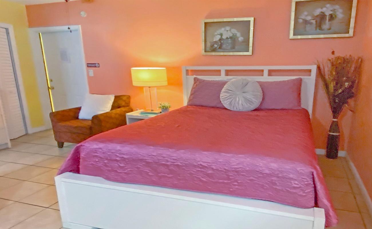Bella Sirena Inn - Queen Beds