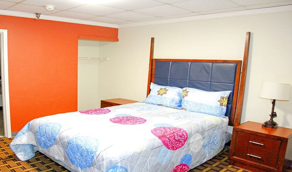 Americas Best Value Inn & Suites - King Bed