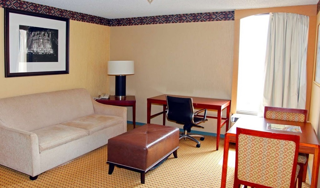 Americas Best Value Inn & Suites - Inside Room