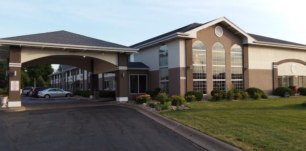 Best Western Airport Inn Moline - Exterior-2
