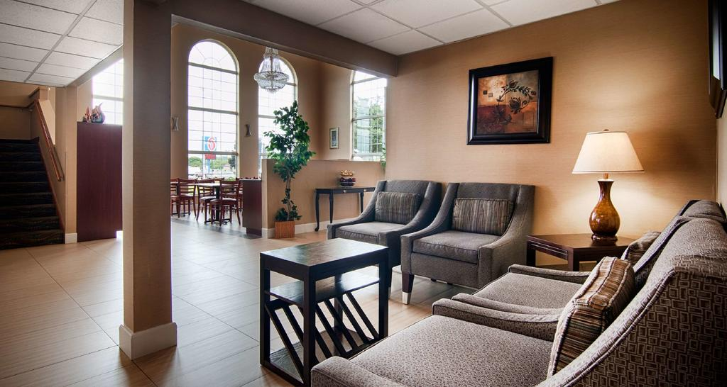 Best Western Airport Inn Moline - Lobby Area