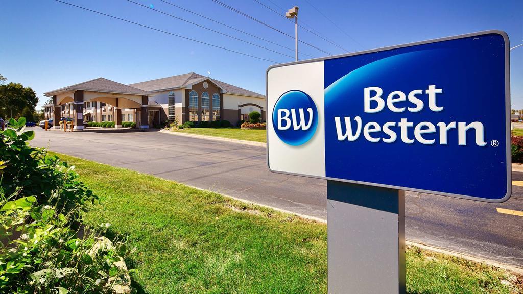Best Western Airport Inn Moline - Exterior