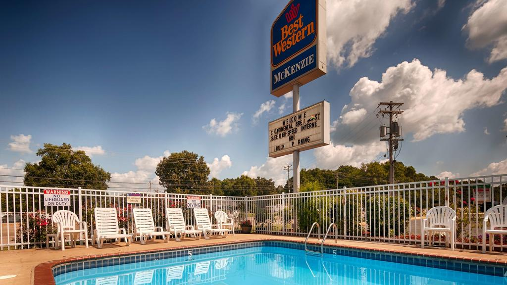 Best Western Mckenzie - Pool