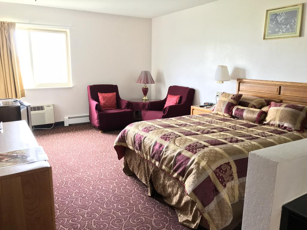Brass Bell Inn and Suites - Single Bed-1