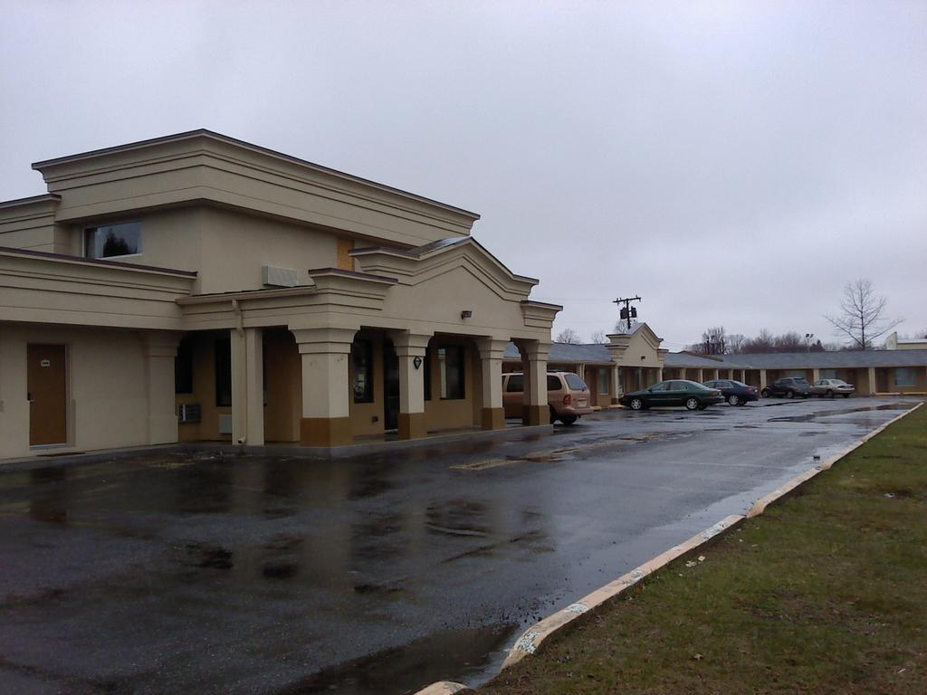 Budget Lodge Buena - Exterior