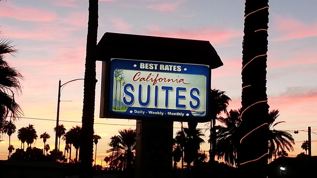 California Suites Motel - Exterior Logo