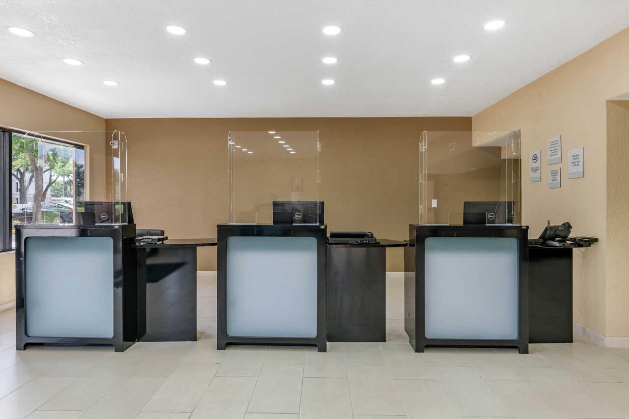 Clarion Inn International Drive - Lobby Area
