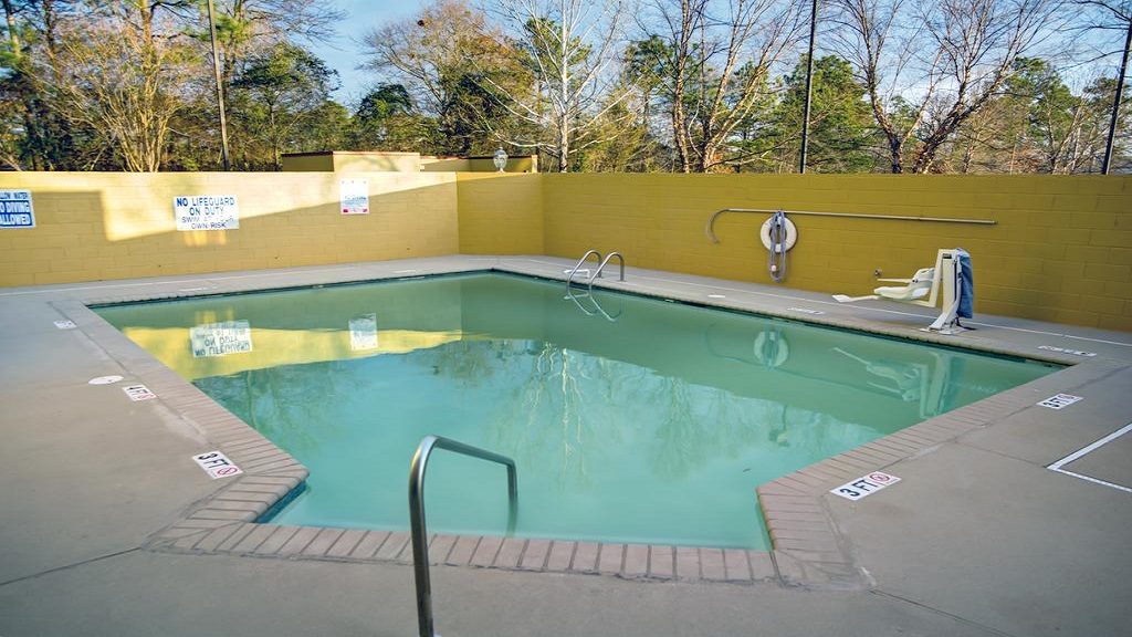 Comfort Inn Blythewood - Pool