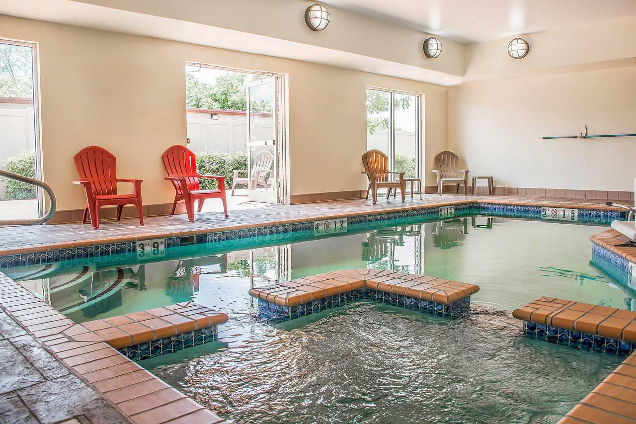Comfort Inn Huntsville - Pool