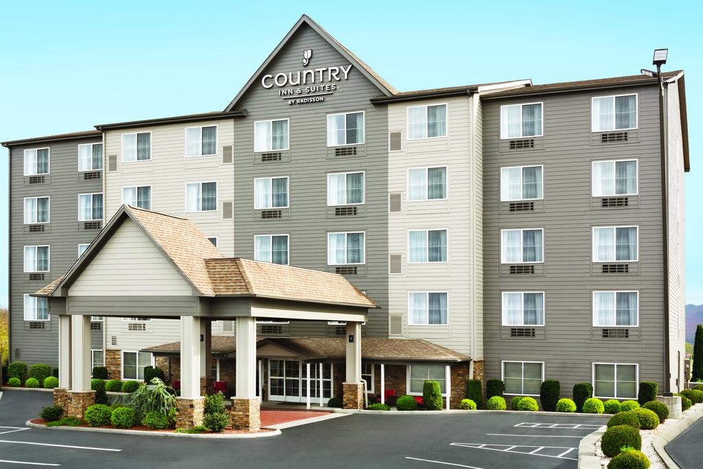Country Inn & Suites Wytheville - Entrance