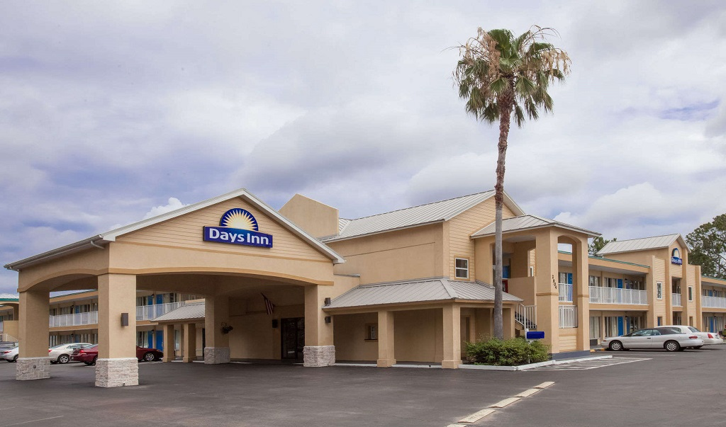 Days Inn Daytona Beach Speedway - Exterior