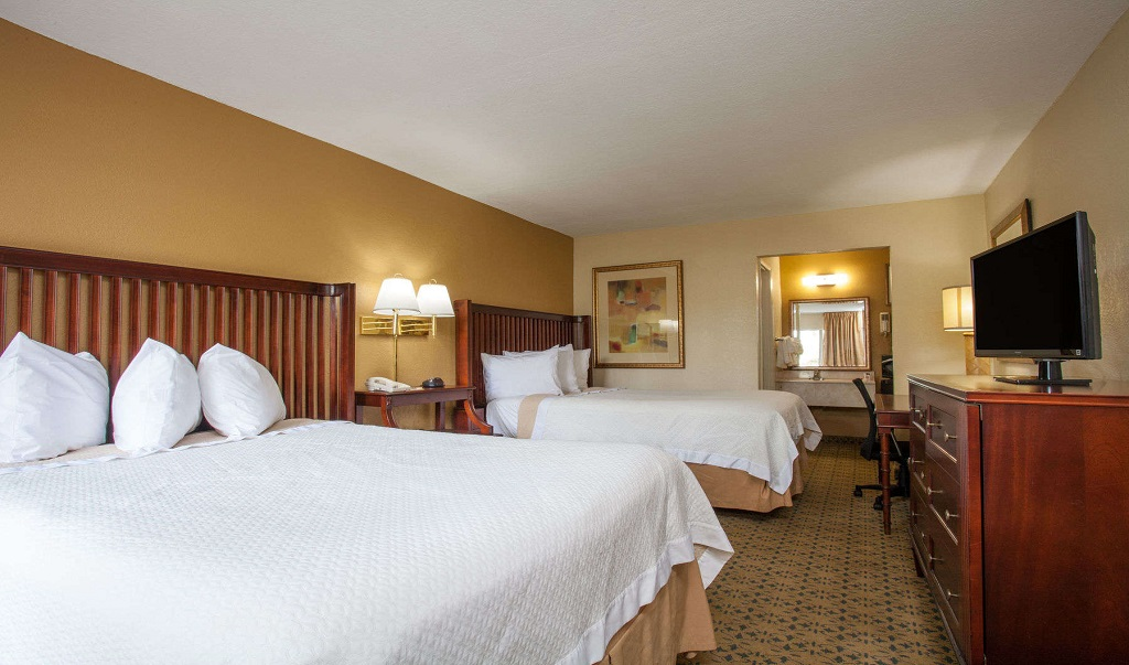 Days Inn Daytona Beach Speedway - Double Beds