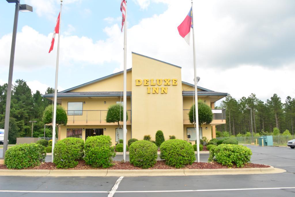 Deluxe Inn Fayetteville - Exterior-1