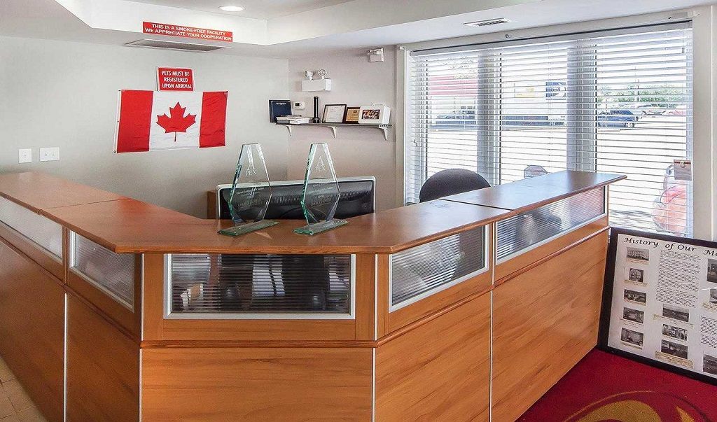 Econo Lodge Inn & Suites Drumheller - Reception