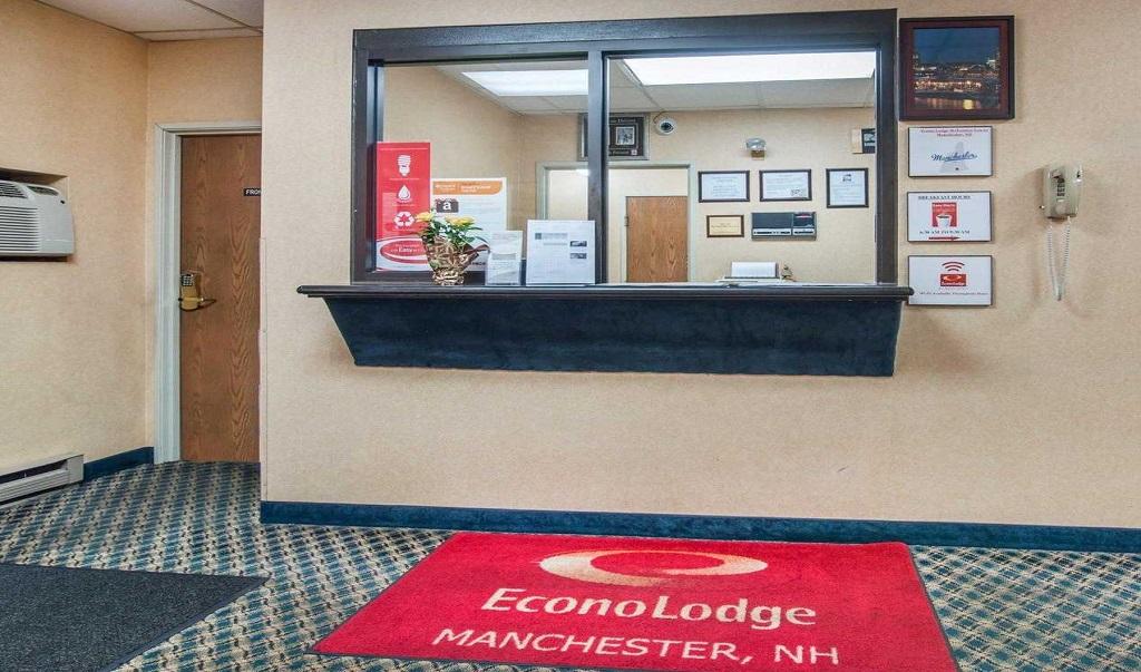 Econo Lodge Manchester - Lobby