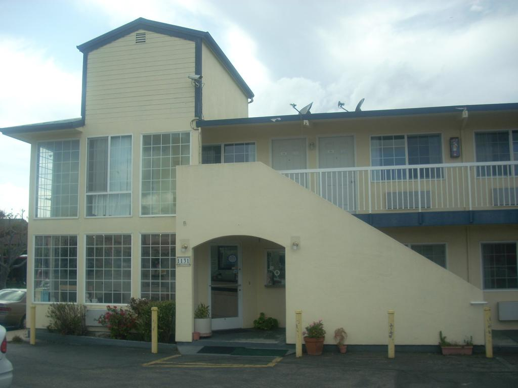 Economy Inn Seaside - Exterior