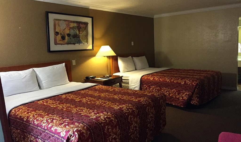 Executive Inn & Suites Beeville - Double Beds