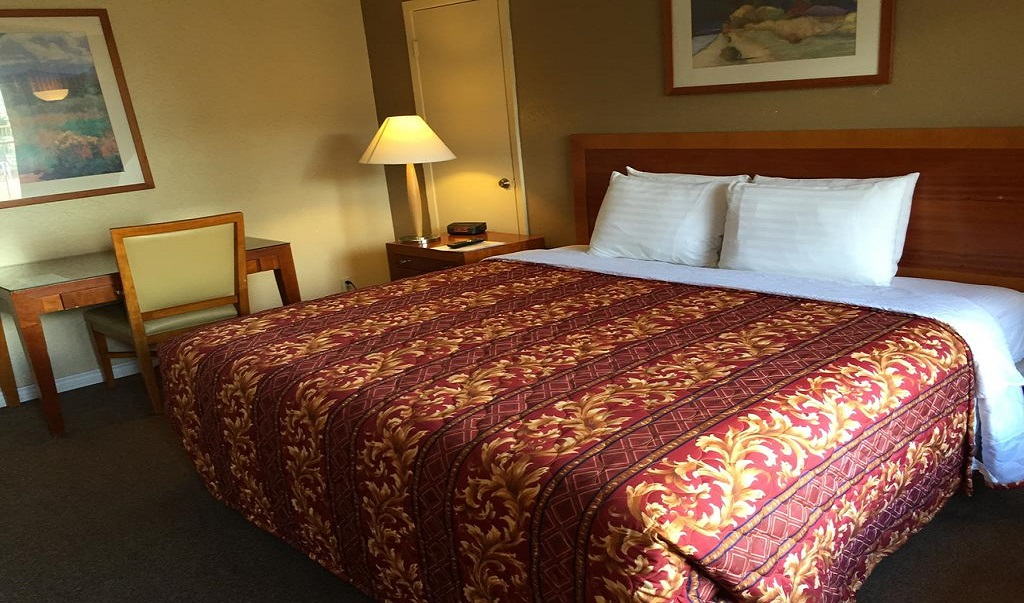 Executive Inn & Suites Beeville - Single Bed