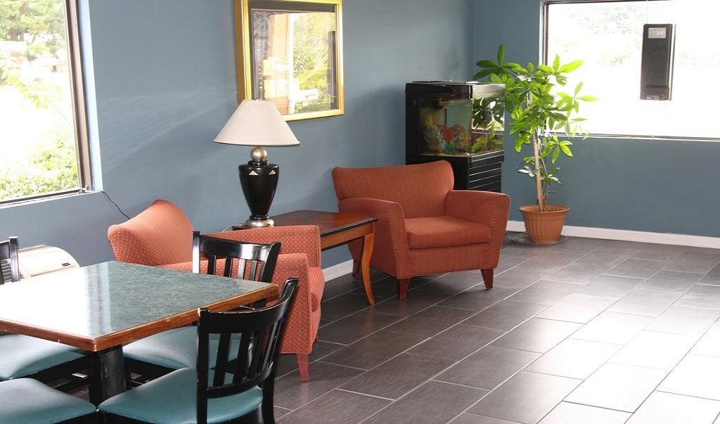 Express Inn and Suites Trion - Lobby Lounge