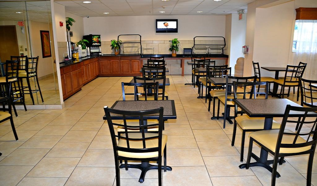 Floridian Hotel and Suites - Dining Area