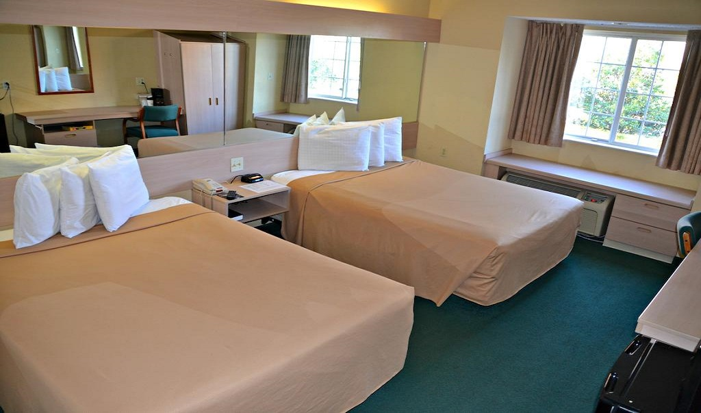 Floridian Hotel and Suites - Double Beds