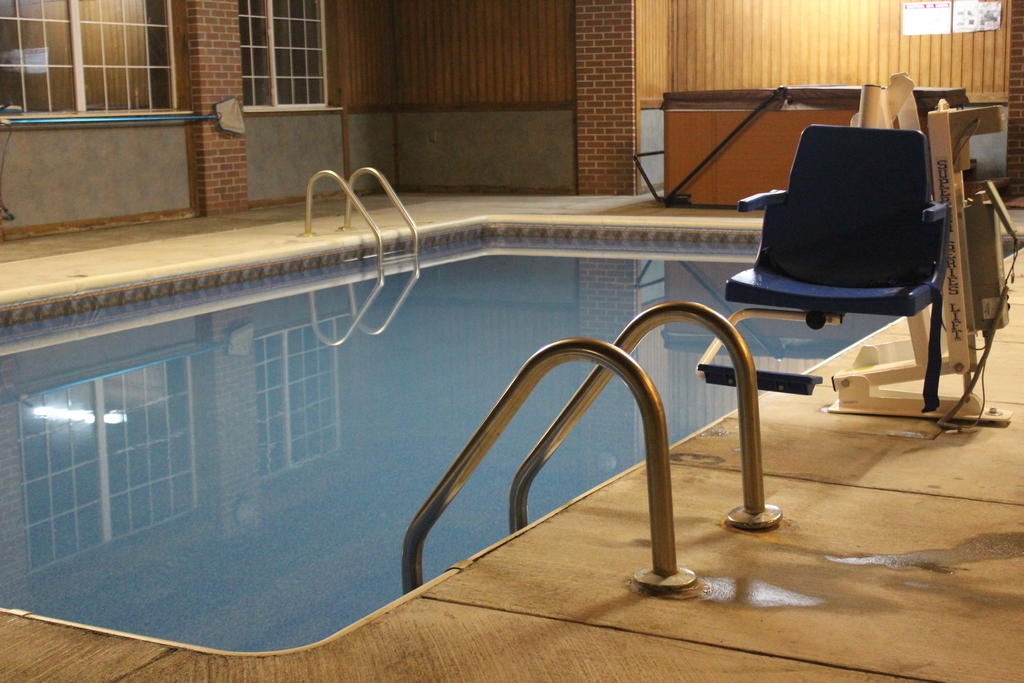 Garden City Inn - Indoor Pool