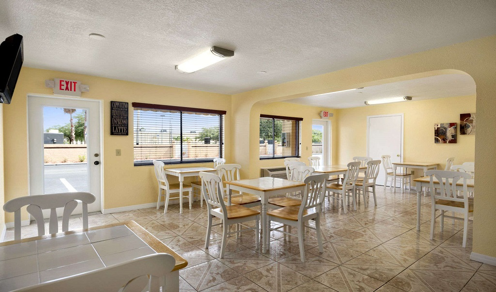 Howard Johnson Port Richey - Dining Area