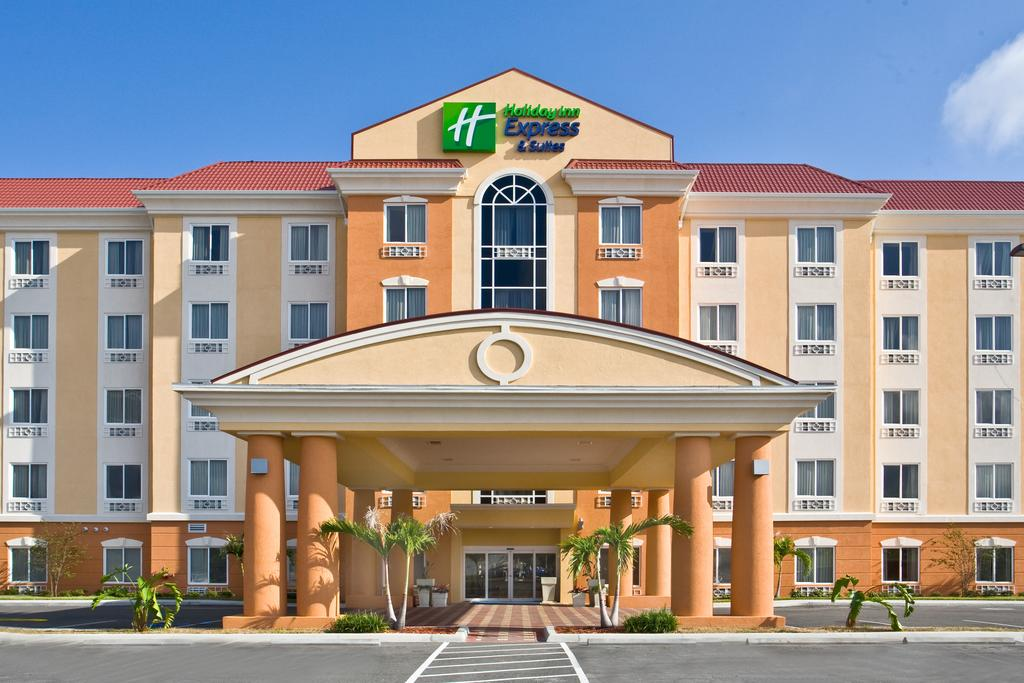 Holiday Inn Express Orlando South - Exterior
