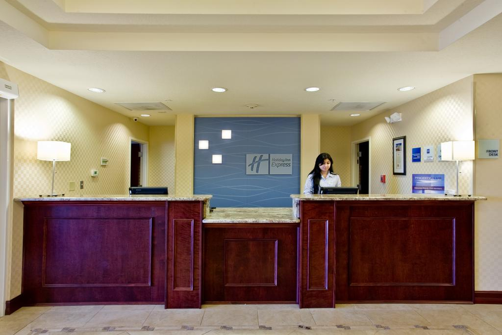 Holiday Inn Express Orlando South - Reception