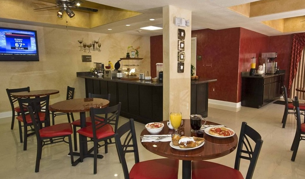 Magnolia Inn And Suites - Dining Area