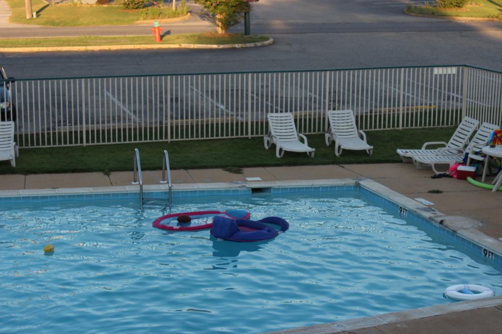 Masters Inn Tuscaloosa - Pool
