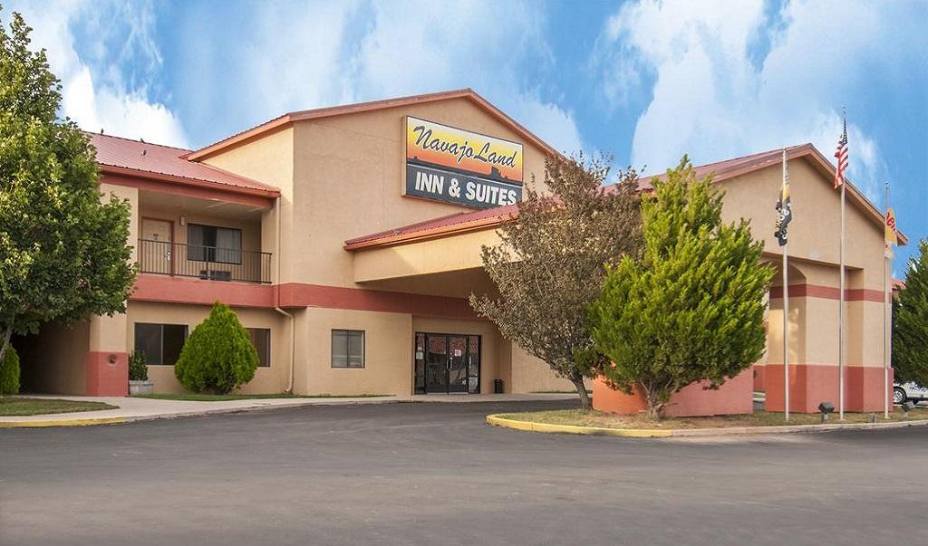 Navajoland Inn & Suites - Exterior-1