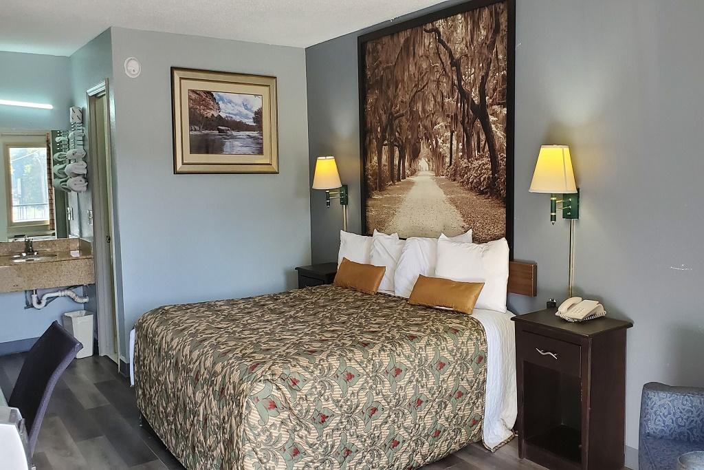 Palmetto Inn Estill - Single Bed Room