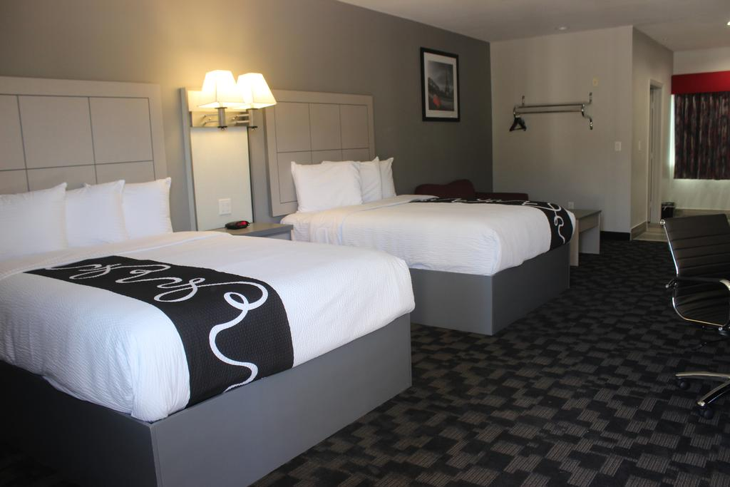 Paris Inn & Suites - Double Beds
