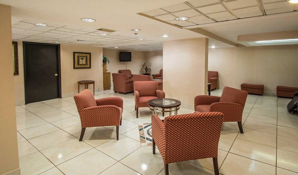 Quality Inn Orlando Airport - Lobby Lounge-2