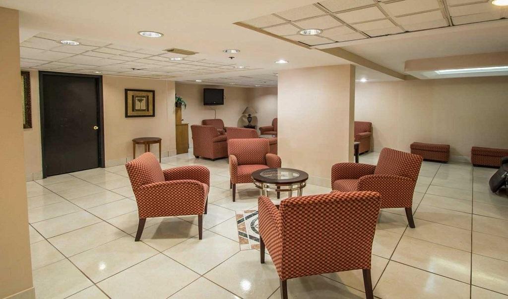 Quality Inn Orlando Airport - Lobby Lounge-2