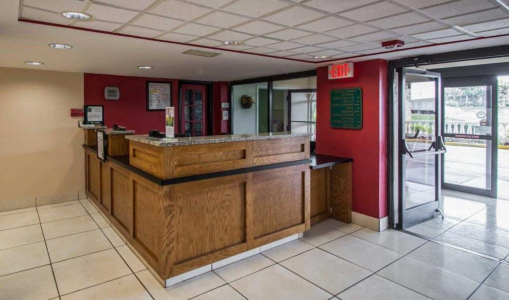 Quality Inn Orlando Airport - Lobby Lounge-3